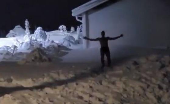 'Çmendet' Zlatan Ibrahimovic, sulmuesi i Milanit zhytet nudo në dëborë (VIDEO)