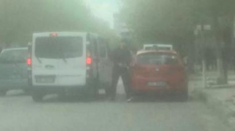 Mero Baze: Meta ka lënë arkivolin në mes të Elbasanit dhe po i jep zemër Gaz Bardhit të mos frikësohet